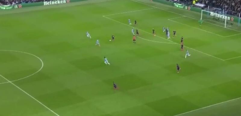 Slechte restverdediging bij City wat meteen wordt afgestraft, 0-1.